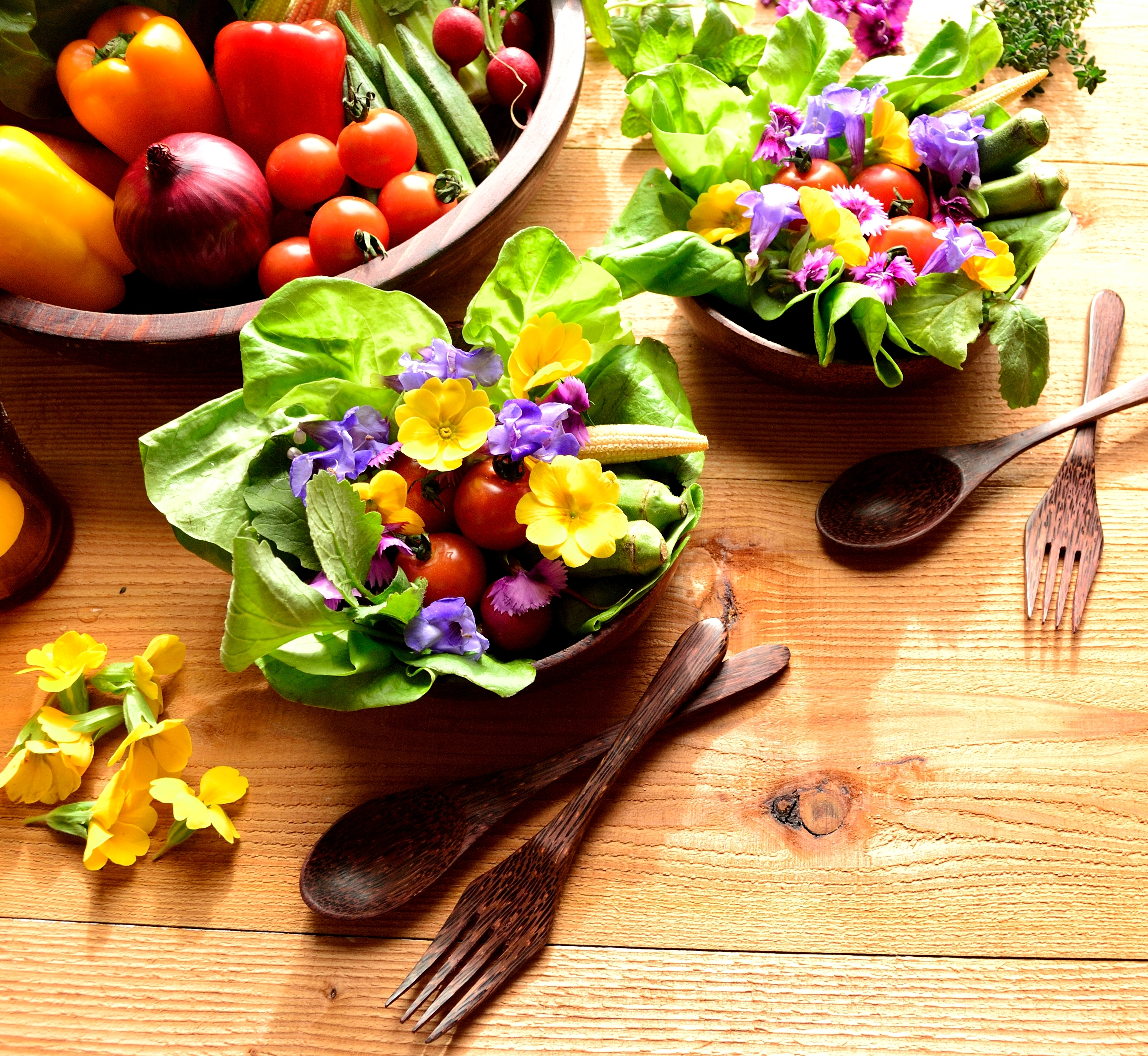 Edible flowers add beauty and taste to meals extension daily flowers are typically given as gifts or used for decoration but when it comes to preparing a meal flowers are not high on the list of ingredients izmirmasajfo