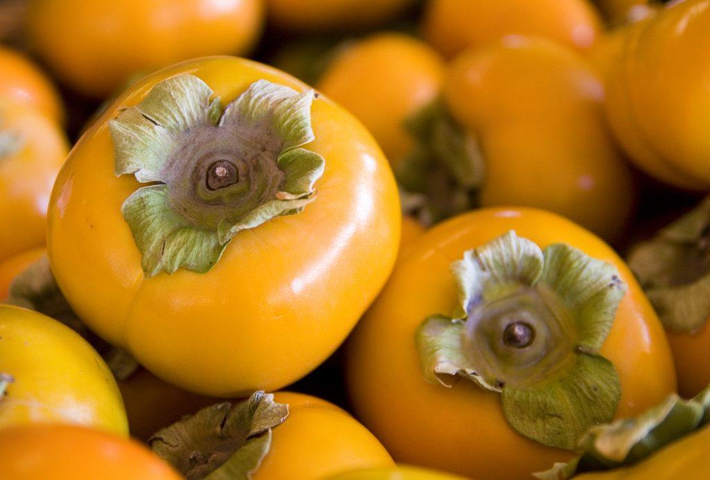 Fruit..._persimmons_(1944711898)